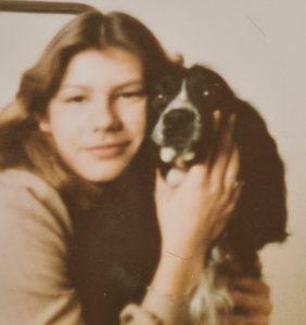 Mädchen mit ihrem ersten Hund